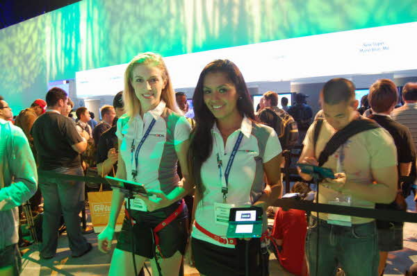 Девушки с E3 (Electronic Entertainment Expo 2011)